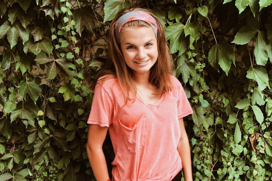 Sophomore: Caroline Kapcsos
